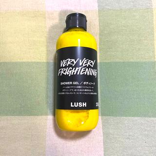 LUSH - LUSH ラッシュ シャワージェル ベリーベリーフライトニング