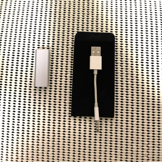 アイポッド(iPod)の【Apple】iPod shuffle シルバー 2GB(第3世代)(ポータブルプレーヤー)