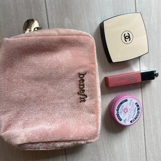 ベネフィット(Benefit)のBenefit pink cosmetic pouch(ポーチ)