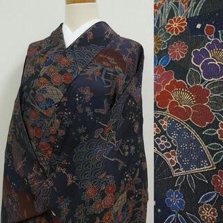 青や赤色に蝶や草花 小紋(着物)