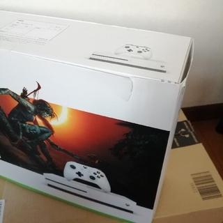 エックスボックス(Xbox)のXbox One S 1 TB シャドウ オブ ザ トゥームレイダー 同梱版(家庭用ゲーム機本体)