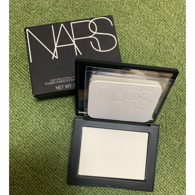 NARS(ナーズ)のNARS ライトリフレクティングセッティングパウダー プレスト N コスメ/美容のベースメイク/化粧品(フェイスパウダー)の商品写真