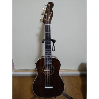 フェンダー(Fender)のFender ウクレレ GRACE VANDERWAAL SIGNATURE (コンサートウクレレ)