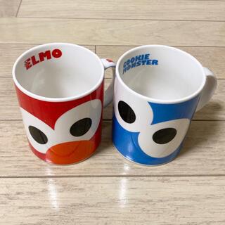 ユニバーサルスタジオジャパン(USJ)のUSJ セサミストリート 赤 青 エルモ マグカップ ペア セット カップ 食器(グラス/カップ)