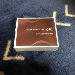 Yakult グランディアEXプレストパウダー レフィル(パフ付)