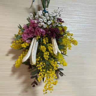 ミモザとピンクホワイト小花のスワッグ(ドライフラワー)