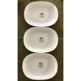 ヤマザキセイパン(山崎製パン)の【山崎製パン】春のパンまつり 白いお皿3枚セット(食器)