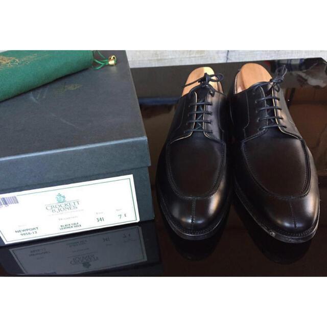 Crockett&Jones(クロケットアンドジョーンズ)の【新品】クロケット&ジョーンズ NEWPORT UK7 E 黒 341 Uチップ メンズの靴/シューズ(ドレス/ビジネス)の商品写真