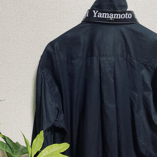 ヨウジヤマモト(Yohji Yamamoto)の【唯一無二】ヨウジヤマモト プールオム レザーベルトシャツ (シャツ)