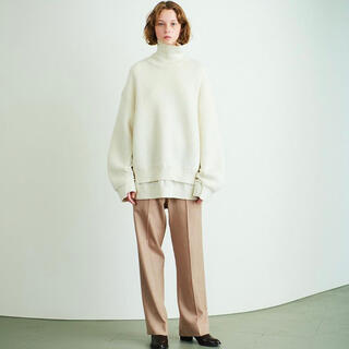 COMOLI - YOKE CONNECTING HIGHT NECK KNIT LS