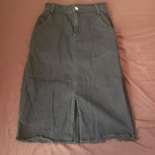 シンプルなブラックスカート(ひざ丈スカート)