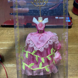 オーロラヒメ(オーロラ姫)のディズニープリンセス アクセサリースタンド ドレス オーロラ姫ローズ(キャラクターグッズ)