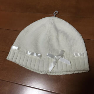 ベビーギャップ(babyGAP)の②GAP【オフホワイト】サテンリボン付きニット帽(ニット帽/ビーニー)