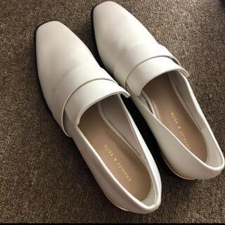 チャールズアンドキース(Charles and Keith)の新品☆CHARLES&KEITH スクエアトゥローファー(ローファー/革靴)