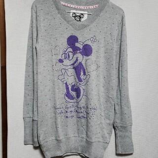 ディズニー(Disney)のミニーちゃんのVネックシャツ(シャツ/ブラウス(長袖/七分))