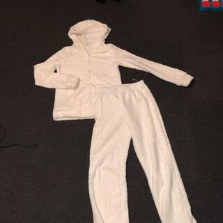 エメフィール(aimer feel)のエメフィール 白 ホワイト ニット 編み目 もこもこ 部屋着(ルームウェア)