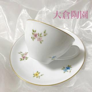 オオクラトウエン(大倉陶園)の新品 大倉陶園 3色小花 カップ&ソーサー  1客(食器)