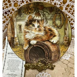 ロイヤルウースター(Royal Worcester)の限定発行版 ロイヤル ウースター社 【COUNTRY KITTY 】 証明書付き(置物)