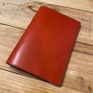 ヘルツ(HERZ)の【HERZ】本革 手帳カバー 極美品 未使用 赤 レッド(手帳)