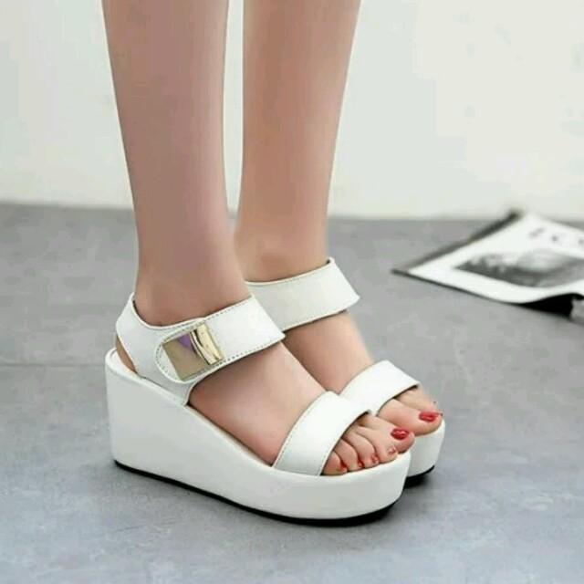 ぽょるん様専用 白35/黒35 sl-01白サンダル レディースの靴/シューズ(サンダル)の商品写真