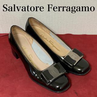 サルヴァトーレフェラガモ(Salvatore Ferragamo)のサルヴァトーレ フェラガモ Ferragamo  パンプス VARA  ヴァラ(ハイヒール/パンプス)