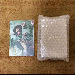 スナイデル(snidel)のNUDE FLOWER Perfume Oil 小嶋陽菜写真付き(香水(女性用))