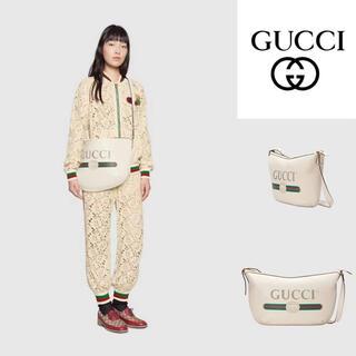 Gucci - GUCCI ホワイト ユニセックスショルダーバッグ