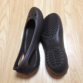 クロックス(crocs)のクロックスパンプス新品ブラウン(ハイヒール/パンプス)