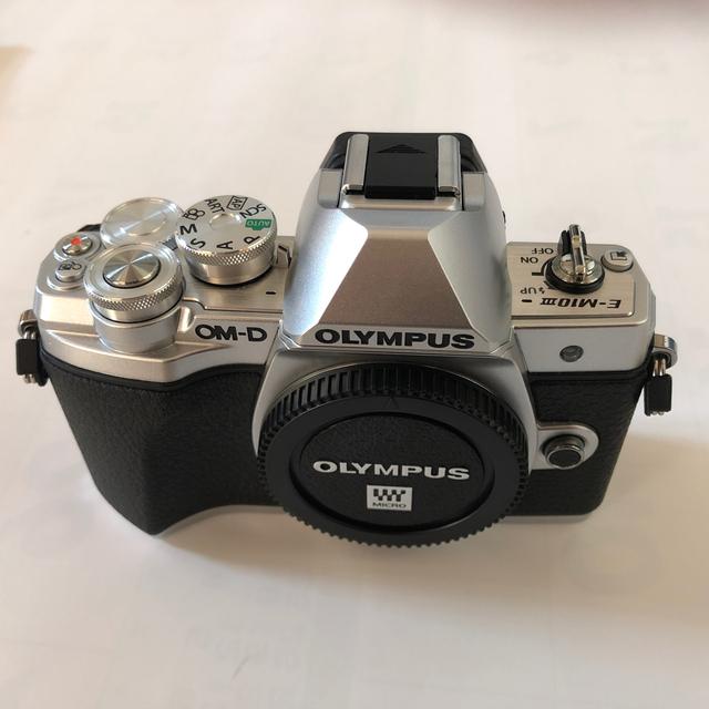 OLYMPUS(オリンパス)のOLYMPUS OM-D E-M10 MarkIII EZダブルズームキット スマホ/家電/カメラのカメラ(ミラーレス一眼)の商品写真