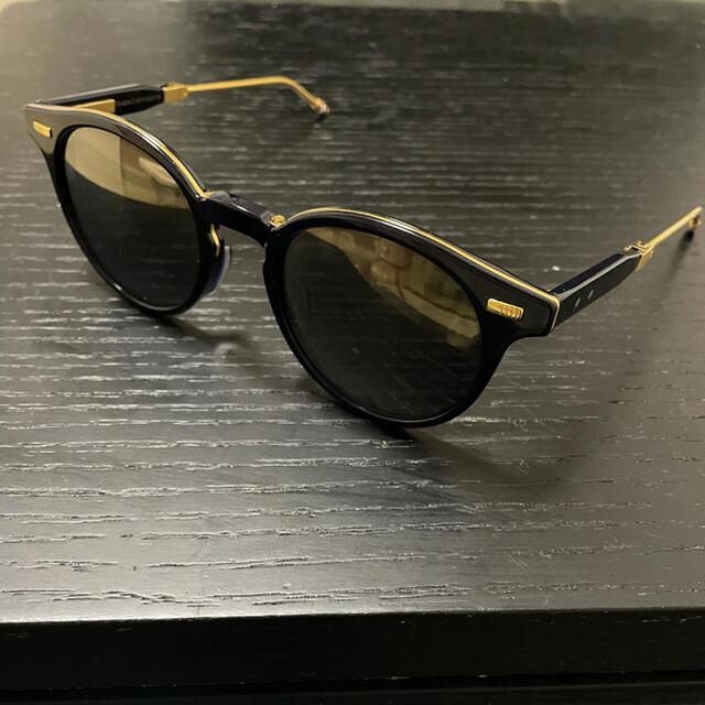 THOM BROWNE(トムブラウン)のTHOM BROWNE TB-806-C-NVY-GLD 52AF トムブラウン メンズのファッション小物(サングラス/メガネ)の商品写真