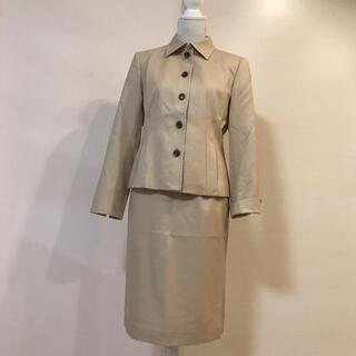 ジユウク(自由区)の美品‼︎ 自由区 上品なスーツ セットアップ アイボリー(スーツ)