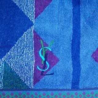 イヴサンローランボーテ(Yves Saint Laurent Beaute)のイブサンローラン  バスタオルと鉛筆色々セット(タオル/バス用品)