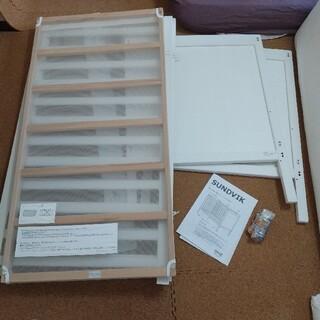 イケア(IKEA)のイケア SUNDVIK 幼児用ベッド用品一式プラスSTOKKEベッドバンパー(ベビーベッド)