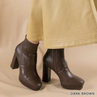 ランダ(RANDA)のストレッチショートブーツ(ブーツ)