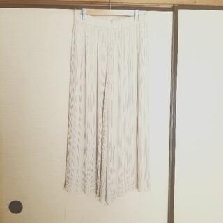 UNIQLO -  UNIQLO シフォンプリーツスカートパンツ