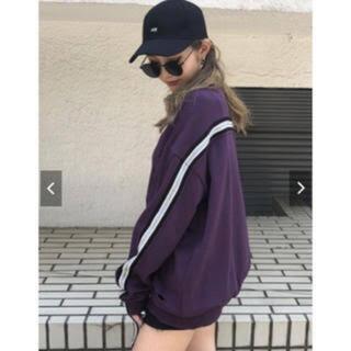アンビー(ENVYM)のENVYM トレーナー スウェット 紫 パープル(トレーナー/スウェット)