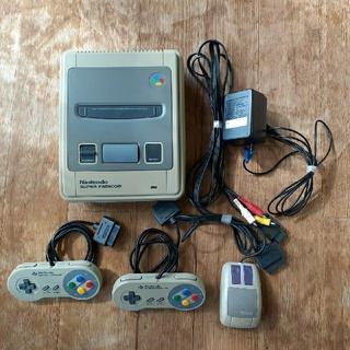 スーパーファミコン(スーパーファミコン)のジャンク品 Nintendo スーパーファミコン 本体(家庭用ゲーム機本体)
