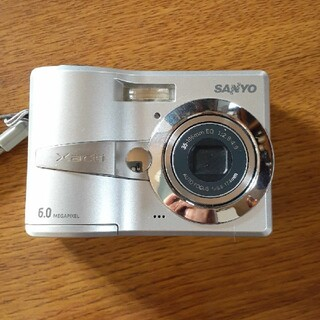 サンヨー(SANYO)のSANYOデジカメ Xacti(コンパクトデジタルカメラ)