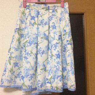 デビュードフィオレ(Debut de Fiore)の小花柄ブルー系スカート♪(ひざ丈スカート)