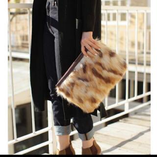 アズールバイマウジー(AZUL by moussy)のバッグ クラッチバッグ ファー トートバッグ ハンドバッグ ショルダーバッグ(クラッチバッグ)