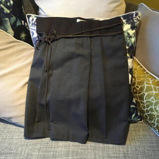 BRUNELLO CUCINELLI - ブルネロクチネリ スカート 40 カーフのベルト紐付きのデザイン