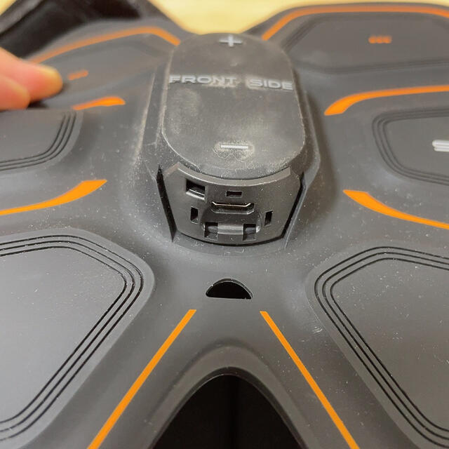 SIXPAD(シックスパッド)のSIX PAD Abs Belt スマホ/家電/カメラの美容/健康(ボディケア/エステ)の商品写真