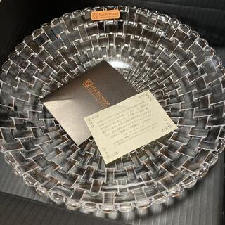 ナハトマン(Nachtmann)のナハトマン ボサノバ ボウル 皿 25cm ギフト箱入り(食器)