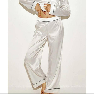 ラヴィジュール(Ravijour)のRavijour シルキーサテンスリープパンツ パジャマ パンツのみ(ルームウェア)