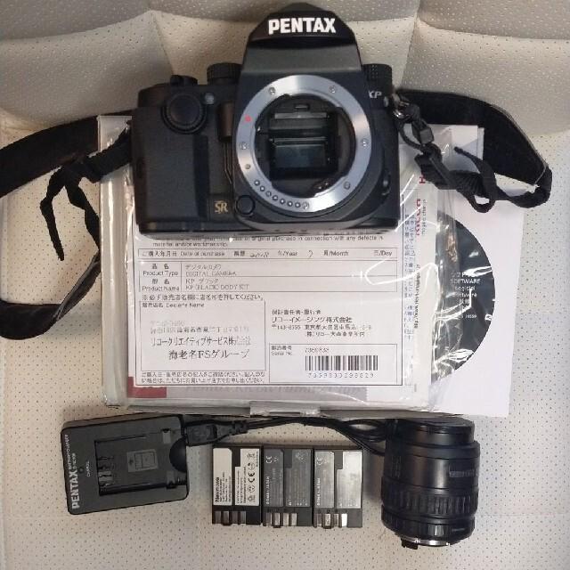 PENTAX(ペンタックス)のメーカー点検済&レンズ付★Pentax KP ボディ BLACK スマホ/家電/カメラのカメラ(デジタル一眼)の商品写真