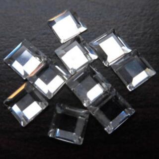 スワロフスキー(SWAROVSKI)の【新品】スワロフスキー #2400/4mm クリスタル スクエア 四角 F8(デコパーツ)