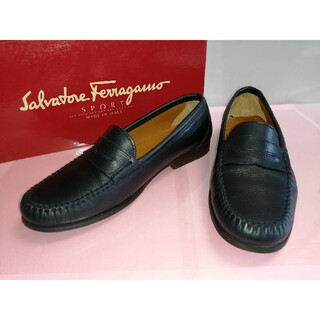 サルヴァトーレフェラガモ(Salvatore Ferragamo)の超美品‼️フェラガモ ローファー 42210211(ローファー/革靴)