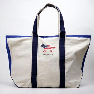 メゾンキツネ(MAISON KITSUNE')の新品 メゾンキツネ トートバッグ コットンキャンバス 大きめサイズ 星条旗 鞄(トートバッグ)