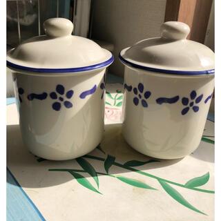 フェリシモ(FELISSIMO)のフェリシモ 陶器のキャニスター2個 蓋付き容器 カントリー雑貨(容器)
