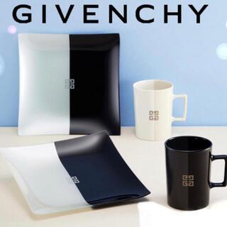 ジバンシィ(GIVENCHY)の【値下げ】GIVENCHY 皿2枚とマグカップ2個セット(食器)